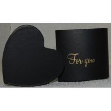Cepuru kaste dzīvajiem ziediem, sirds, melna